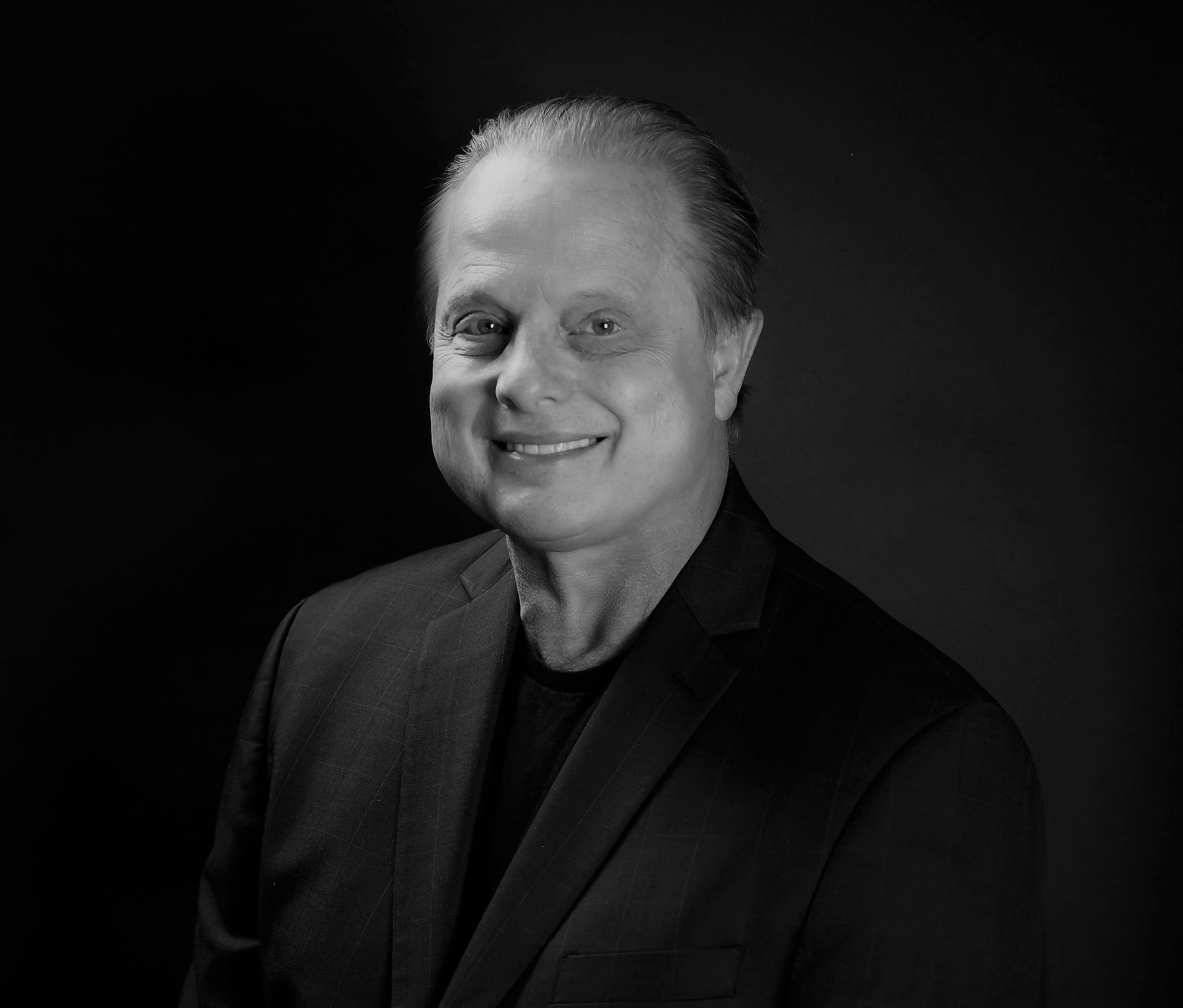 Dr. David Domaas